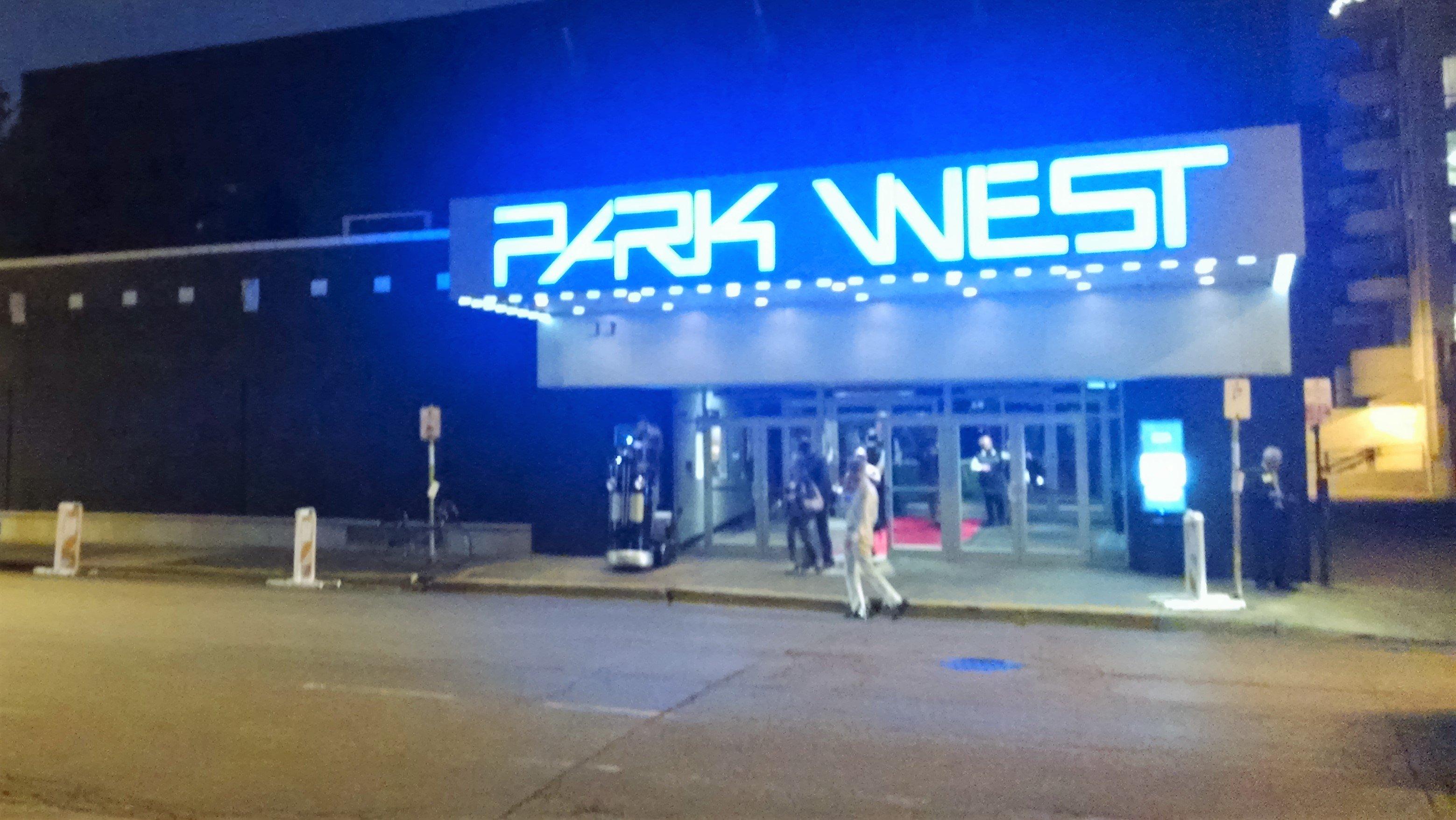 https://www.parkwestchicagoevents.com/wp-content/uploads/2019/02/Park-West-Exterior-Night-Sept-2017.jpg
